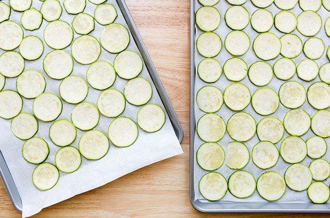 zucchini-chips_resized-1-650x430